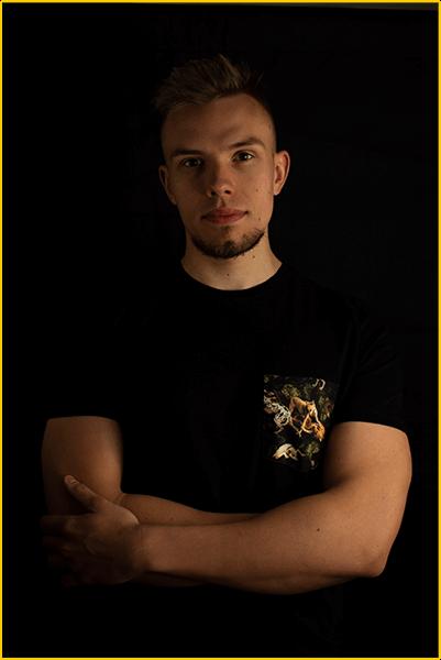 Wierzbiański Filip to projektant stron internetowych oraz grafiki